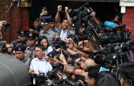 Kabar Internasional - Mike Pence Serukan Pembebasan Jurnalis Reuters yang Dipenjara