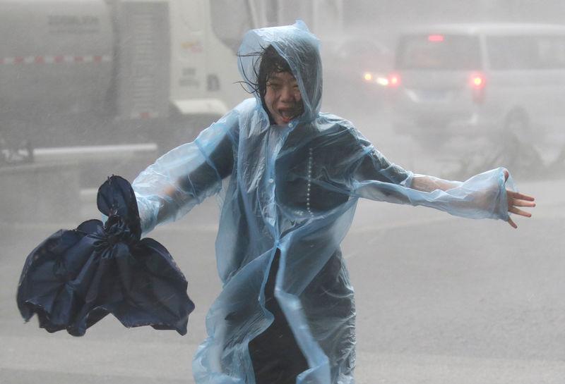 Kabar Internasional - Super Topan Menghantam China Setelah Merusak Filipina