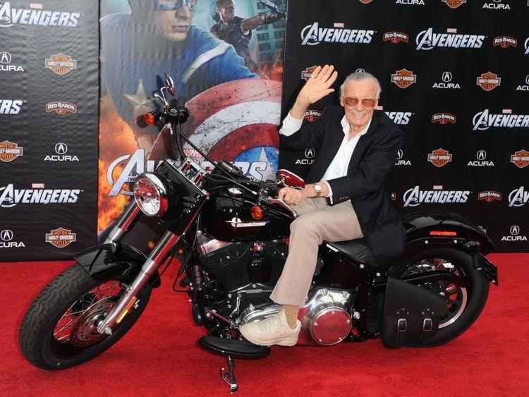 Kabar Selebritis - Stan Lee Meninggal Dunia di Usia 95 Tahun